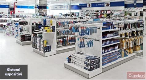 mobili per vetrine negozi arredamento per negozi ferramenta sardegna