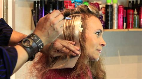 how to do highlights and lowlight with foil i love to combine black lowlights with curly hair by