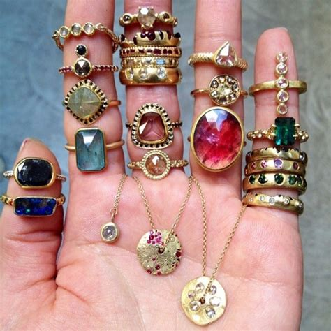 the most beautiful jewelry accounts to follow on instagram