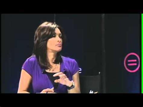is cheryl burton wearing a wig does chicagos abc news cheryl burton use a wig summit 2011