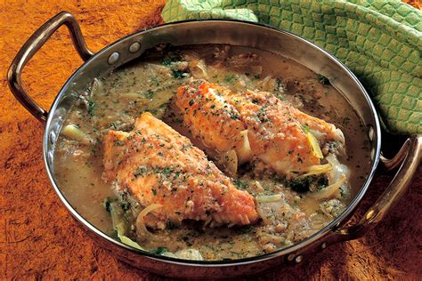 ricette per cucinare lo scorfano ricetta zuppa di scorfano carote cipolla la cucina