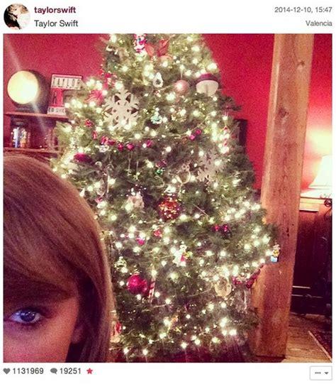 celebrity instagram christmas inside celebrity homes most stylish celebrity christmas