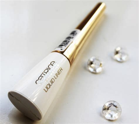 Mac Liquid Eyeliner E220 Kemasan Dus Eye Liner Mac Wing metallic eyeliner look catrice golden matte shimmer