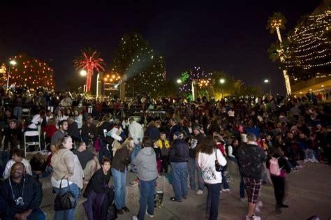2016 glendale glitters christmas festival