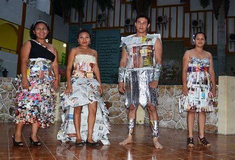 traje xe reciclado concursantes en traje de reciclado