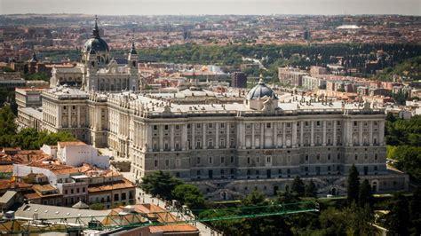 palacio real madrid entrada gratuita el palacio real abre de forma gratuita por motivo de la