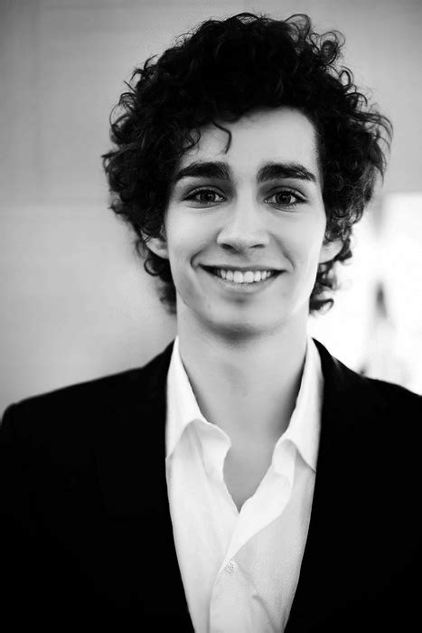 The Mortal Institute: CASTING NEWS: Robert Sheehan is