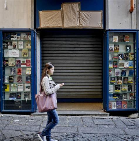 libreria guida foto chiude dopo 98 anni la libreria guida a portalba 1