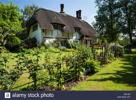 cottages in buckinghamshire a picturesque thatched cottage in the tiny chilterns