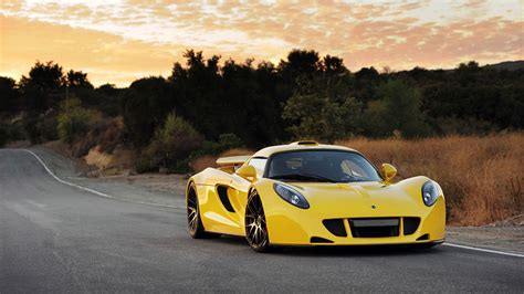 5 of the fastest cars in the world