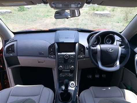 Interior Of Mahindra Xuv 500 by 2015 Mahindra Xuv500 Facelift Launched Priced At Rs 11