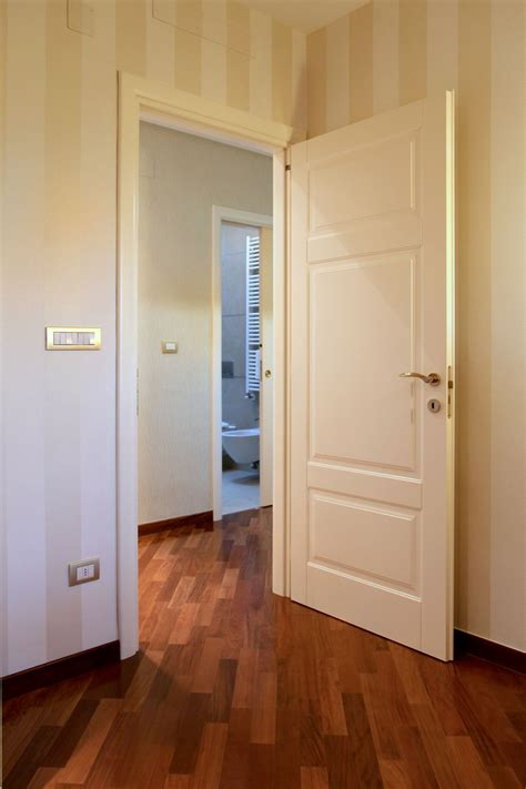 porte interne avorio arche ambienti porta battente 3 bugne laccato avorio