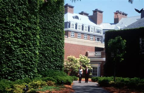 Which Residence Is Better In Hbs Mba by The Mcarthur Center Harvard Business School Crja