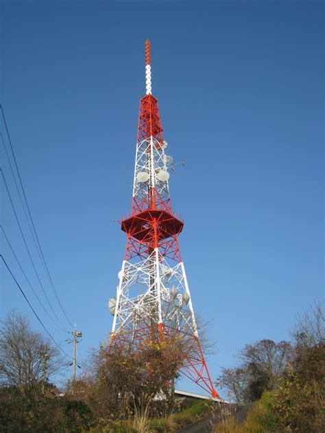radio tower file maedayama north radio tower jpg wikimedia commons