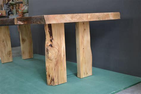 gambe tavoli tavolo in legno massello di cedro e gambe con inserto in