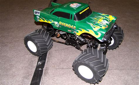 rc monster truck videos rc monster truck racing alive and well rc truck stop
