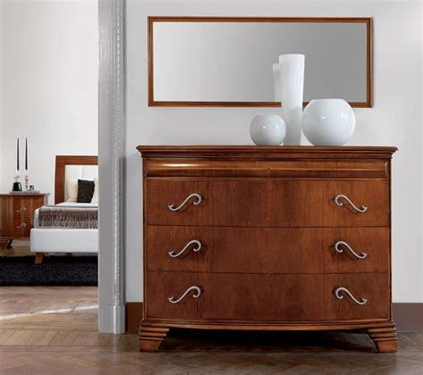 Dresser Vs Chest Of Drawers by Luxury Classic Dresser In Walnut With 4 Drawers Idfdesign