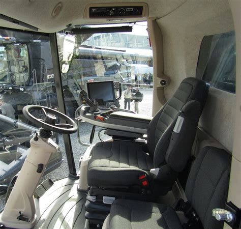 cabina per mietitrebbia agco ideal si fa strada nel segmento mietitrebbie