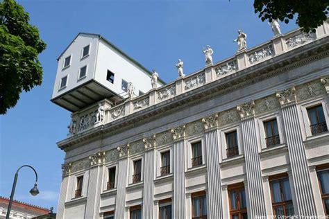 haus wien parlament haus am dach vienna austria