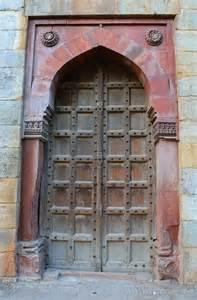 file one of the doors inside purana qila jpg