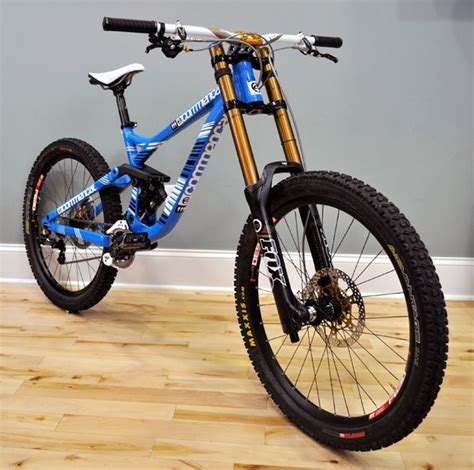 commencal supreme dh v3 2012 commencal supreme dh v3 2012 fox 40 rc2 fit
