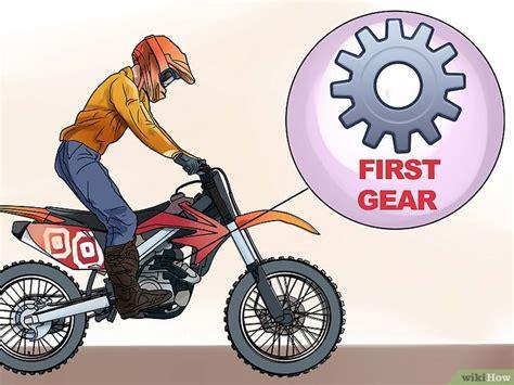 Motorrad Wheelie Lernen by Ein Einfaches Wheelie Mit Dem Motorrad Machen Wikihow