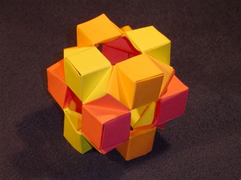 Origami Cube - modular origami balls and polyhedra folded by micha蛯