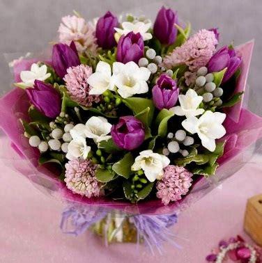 mazzi di fiori per auguri mazzi di fiori per buon compleanno invito elegante