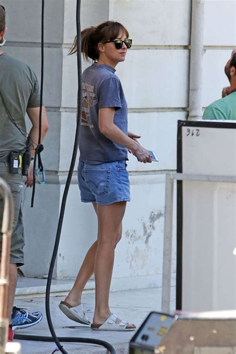 Dakota Set dakota johnson on fifty shades freed set 05 gotceleb