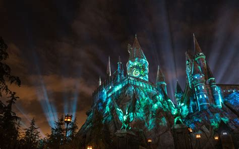 nighttime lights at hogwarts universal orlando up experience the nighttime