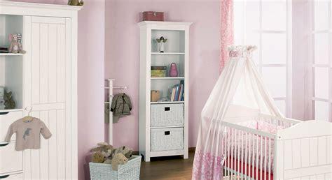 regal weiß massivholz wohnzimmer streichen muster