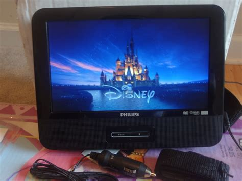 philips pd9012 portable dvd player 9 quot w headrest mounting