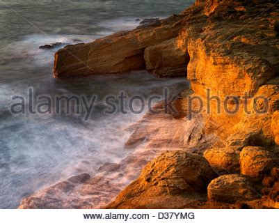 relaxing video of ocean waves at devils punch bowl youtube devil s punchbowl oregon stock photo royalty free image