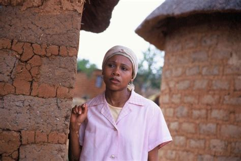 what happened to laleti khumalos skin leleti khumalo biography age husband children hands