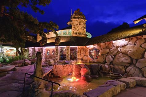 theme hotel burnsville mn 5 fun themed hotels in the us seek your trip
