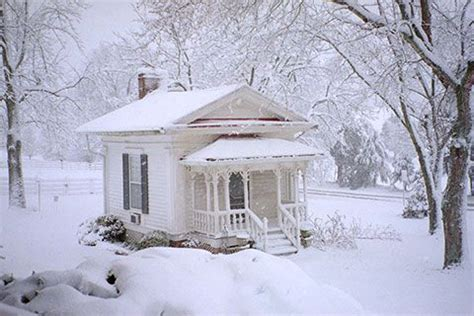 eerie photos of snow blanketing the interior of an de 90 b 228 sta hemnetfynd bilderna p 229 pinterest