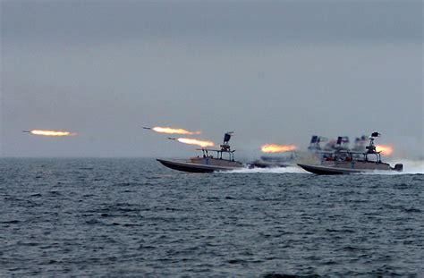 speed boat knots commander iran builds speedboats cruising at 80 knots