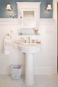 small cottage bathrooms best 25 small cottage bathrooms ideas on