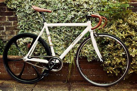 white peugeot fixie singlespeed bike bicycle 700c