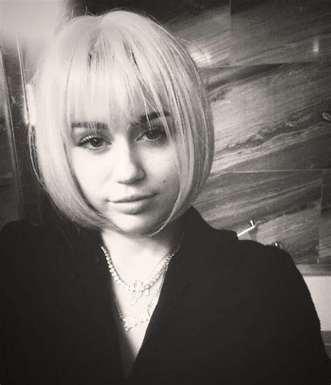 miley cyrus short hair wig source twitter user mileycyrus