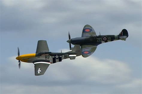 spitfire mustang tight formation