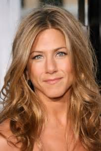 hair sryles middle age not celebreties jennifer aniston 22 gorgeous pictures jennifer aniston