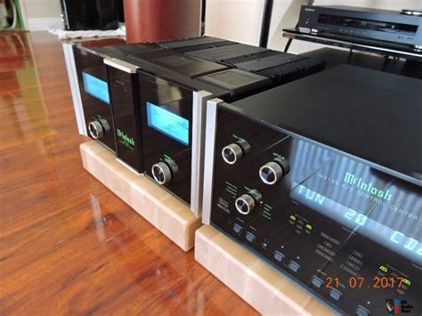 Mcintosh Mc402 2 Channel Power Lifier mcintosh mc402 power lifier 400 x 2 at 8 ohms 4 ohms or 2 ohms photo 1613997 us