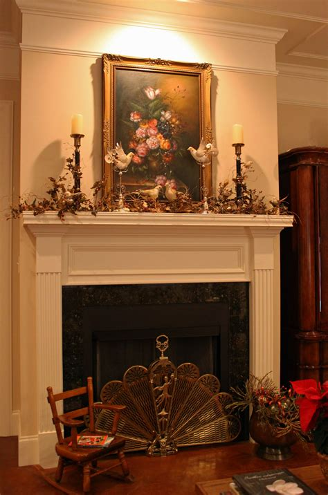 Southern Lagniappe Christmas Mantel Stage