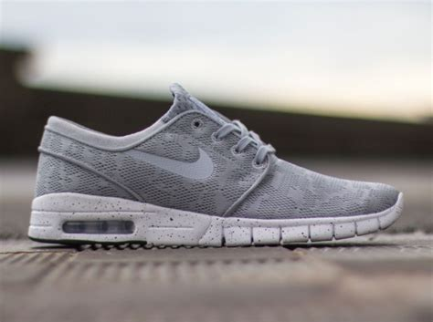 Nike Sb Stefan Janoski Hitam nike sb stefan janoski max grey the sole supplier