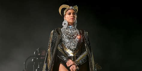 Beyonce Looks Oh So Thrilled by Rihanna Cardi Beyonc 233 Oh My See Every Snatched Look