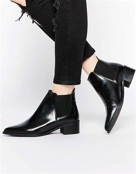 cara pakai sepatu kelim tips anti lecet saat memakai sepatu baru dan cara