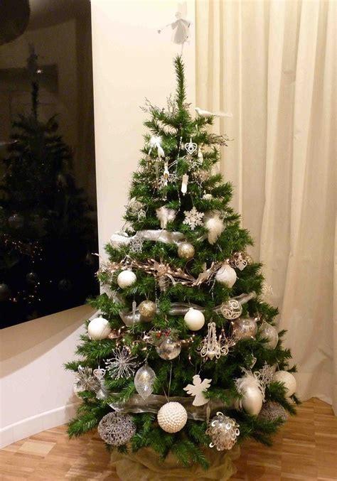 decorar arbol de navidad blanco arbol de navidad decoracion preciosa con lazos