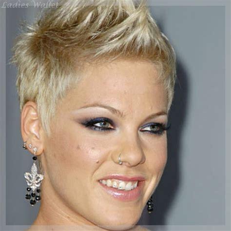 Styling Haare by Kurze Haare Stylen Coiffure Kurze Haare
