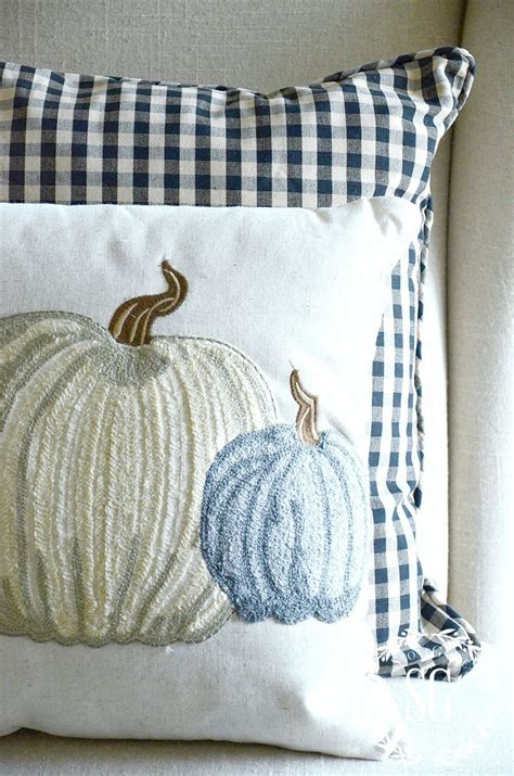 Pillows For by Fall Pillow Decorating For Fall With Pillows